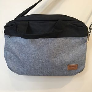 Tracker Messenger Bag